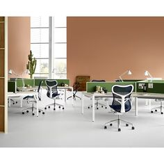 Mirra 2 Chairs with Layout Studio