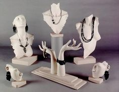 Resultado de imagen de display jewelry