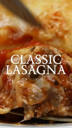 A Classic Lasagna recipe that everyone should have in their go-to recipe collection lasagna Italian pasta Slow Cooker Recipes Cheap, Slow Cooker Sausage Recipes, Slow Cooker Recipes Dessert, Rice Recipes, Recipes Dinner, Easy Recipes, Baked Pasta Recipes, Uk Recipes, Oven Recipes
