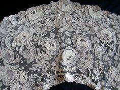 Maria Niforos - Fine Antique Lace, Linens & Textiles : Antique Lace # LA-176 Excellent Brussels Point De Gaze Collar