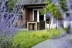 Exteriér a záhrada - Inšpirácie z Modrastrecha. Green Landscape, Landscape Design, Modern Front Yard, Garden Architecture, Garden Seating, Raised Garden Beds, Front Yard Landscaping, Garden Projects, Garden Inspiration