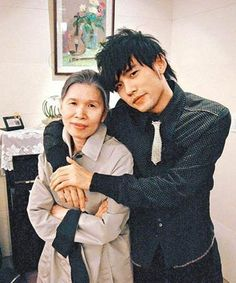 Jay Chou with his mother