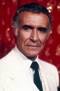 January 14 – d. Ricardo Montalbán, Mexican-born American actor (b. 1920)