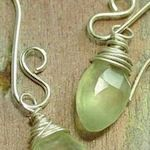 20+ Wire Jewelry Making Ideas & Tutorials: {Free} : TipNut.com  All sorts of wire jewellery. Will definitely give some of these a go