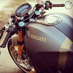 Moto Ducati, Ducati Cafe Racer, Ducati Motorcycles, Cafe Racer Bikes, Cafe Racer Motorcycle, Indian Scout Bike, Ducati Monster 1100 Evo, Monster Garage, Big Ride