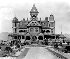 Hotel Glendale, around 1895. This grand Victorian hotel was built during Glendale's first boom in the late 1880s at a cost of $60,000. Unfortunately, it didn't even open because the boom busted too fast. So it became a school and, later, a sanitarium. It was razed in 1924.