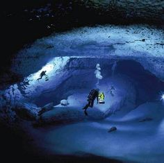Discover Subsurface Bahamian Caves in Andros I, Bahamas: Inhospitable caverns just beneath this island paradise offer insights into alien worlds. Cave Diving, Scuba Diving, Blue Hole, Alien Worlds, Turquoise Water, Sea World, Snorkeling, Under The Sea, Kayaking