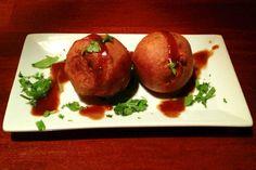 Aloo bondas from Kabab and Tandoor, Waltham, MA (from http://hiddenboston.com/foodphotos/kabab-tandoor-aloo.html)