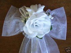 WEDDING-DECORATION-CHURCH-PEW-BOW-WHITE-ROSE-AND-ROSEBUD
