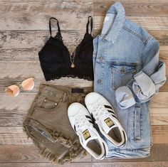 Discover recipes, home ideas, style inspiration and other ideas to try. Hot Summer Outfits, Spring Outfits, Look Fashion, Fashion Outfits, Womens Fashion, Vestidos Chiffon, Look Con Short, Casual Dresses, Casual Outfits