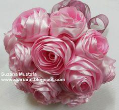 Perkongsian ilmu membuat bunga Ros Gulung. Setiap foto ada penerangan, rajin-rajin laa...membaca yee...Selamat Mencuba !        Menggunakan ...