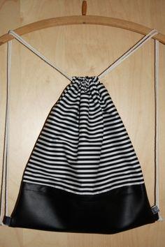 """Turnbeutel Baumwolle/Leder """"Stripes"""" schwarz weiß."""