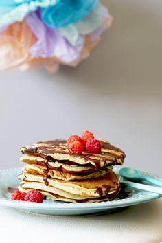Une recette simple qui donne des pancakes moelleux et très bon ! sans aucune matière grasse ces pancakes sont idèal pour les régimeuses ^^ Recette prise d 'ici Ingrédients: -2 tiges de rhubarbe -2 oeufs -100 g de farine -1/2 sachet de levure chimique...
