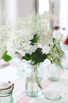 Lovely combination of hydrangeas and baby's breath!