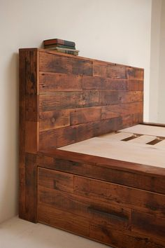 • Reclaimed Old Growth Bed, With Storage!!
