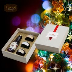 Sem ideias para o presente de Natal? Que tal esse kit da Casa Madeira? Ele vem com um suco de uva integral e 3 geleias da marca e custa apenas R$ 49,90. Bom demais!