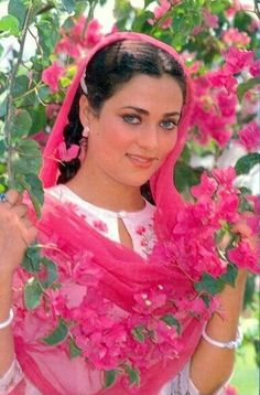 Мандакини mandakini Beautiful Bollywood Actress, Most Beautiful Indian Actress, Beautiful Actresses, Beautiful Heroine, Beautiful Lips, Hot Actresses, Indian Actresses, Simplicity Is Beauty, Indian Goddess