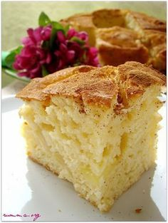 Elmalı kek sevilmez mi..Elmalı kurabiye hatta elmalı turta ..:) Kısacası ben elmalı tarifleri çok severim..Elma severlere tavsiyemdir kek ve tart arası bir lezzet.. Elmalı kek hamuru için malzemeler 3 adet yumurta 5 adet orta boy tatlı elma 1 su bardağı tozşeker 1 su bardağı süt 1 tatlı kaşığı tarçın 1.5 su bardağı un 1.5 su …
