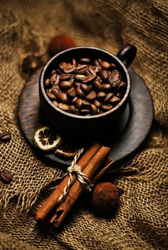 """coffee beans Leeny: Aroma instantly takes me into """"Time Out."""" I retreat. Whether it's spices, fragrance or coffee. #Time Out, Tune In, Turn On:Live the Path of Your Heart, #LeenyThomas, #www.leenythomas.com"""
