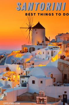 Find out the best things to in Santorini, Greece in a 4-day itinerary to make out check out all the places of interest from your bucket-list! From the famous Oia with the blue roof to the red beach of Akrotiri or eating a gyro on a black sand beach. Santorini is the perfect summer or late summer vacation for you! | Greece aesthetic | Greece photography | Greece beaches | Greece sunset | Things to do in Santorini | Greece Travel | Fira