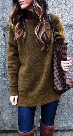 incredible fall outfit_sweater + bag + skinny jeans + over the knee boots