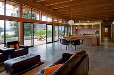 Modern single family residence designed by Scott Edwards Architecture.