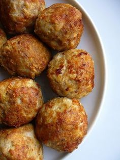 Enjoy your evening with one of these low carb dinner recipes. Check out Atkins'® extensive list of easy low carb dinner ideas here. Atkins Recipes, Greek Recipes, Low Carb Recipes, Cooking Recipes, Healthy Recipes, Easy Recipes, Antipasto, Cooking With Beer, Albondigas