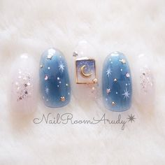 Opting for bright colours or intricate nail art isn't a must anymore. This year, nude nail designs are becoming a trend. Here are some nude nail designs. Korean Nail Art, Korean Nails, Nail Swag, Stylish Nails, Trendy Nails, Pretty Nail Art, Cool Nail Art, Japan Nail Art, Kawaii Nail Art