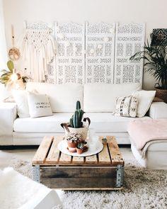 Bohemian white interior styling, by @lovedbysheila on instagram