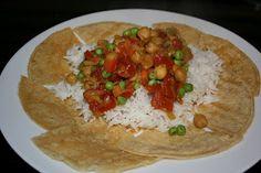 Vegetarian curry for the crockpot. Robust, tåler overkoking. Kan alltids røre inn noe kjøtt/bacon hvis det savnes. Grei å fryse også, tror jeg!