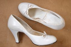 ☆New Listing☆ Vintage 1950s Pin Up Pumps // by TrunkofDresses