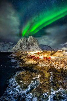 Northern lights over Hamnøya - Lofoten - Norway