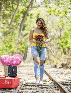 Model Khushi Gadhvi Hd Hottest Beautiful Pictures, Images And Wallpapers Beautiful Girl Indian, Beautiful Girl Image, Beautiful Indian Actress, Cute Girl Poses, Girl Photo Poses, Girl Photos, Most Beautiful Faces, Beautiful Pictures, Indian Wedding Poses