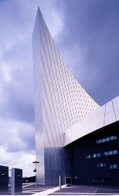 Imperial War Museum North, Manchester, UK by Studio Daniel Libeskind
