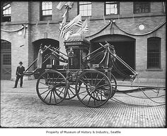 Antique fire engine, Seattle, 1905