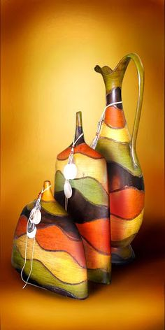 1 million+ Stunning Free Images to Use Anywhere Recycled Glass Bottles, Glass Bottle Crafts, Wine Bottle Art, Bottle Vase, Pottery Painting, Pottery Art, African Art Paintings, Altered Bottles, Paperclay