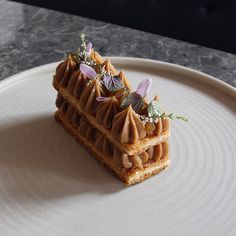1,785 mentions J'aime, 13 commentaires – Sean MacDonald (@seanymacd) sur Instagram : « Apple Tarte Tatin Mille Feuille l Find my/ our recipe for this dessert in this months @globestyle… »