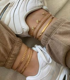 ☾ Accesories - Accesories jewelry - Accesories bag - Accesories aesthetic - Accesories he Ankle Jewelry, Ankle Bracelets, Cute Jewelry, Jewelry Accessories, Fashion Accessories, Gold Jewelry, Luxury Jewelry, Trendy Accessories, Women Jewelry