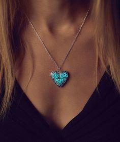 Medaillon leuchtende Halskette Geschenk Tochter von EpicGlows