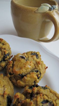 Blueberry scones - grain-free, sugar-free, candida diet friendly! Recipe here: candocandidadietf...