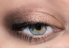 Everyday gold makeup using the Chocolate Bar palette | BeautyGala