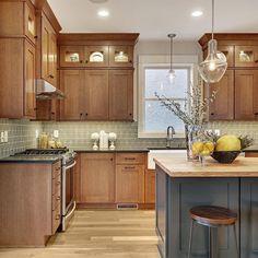Instagram Painted Kitchen Island, Walnut Kitchen Cabinets, Stained Kitchen Cabinets, Oak Cabinets, Painted Island, Craftsman Style Kitchens, Craftsman Interior, Home Kitchens, Mission Style Kitchens