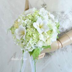 ホワイトプルメリアの、爽やかなブーケ。すべて造花です。 Silk Flower Bouquets, Silk Flowers, Floral Wreath, Wreaths, Decor, Flowers, Floral Crown, Decoration, Door Wreaths