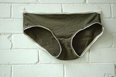 underwear3_green_piping