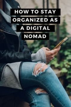 How to stay organized as a digital nomad. Staying organized and creating systems in your online business Travel Jobs, Travel Advice, Instagram Schedule, Living On The Road, Blog Writing, Staying Organized, How To Stay Motivated, How To Become, Business Coaching