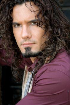 Марио Симарро (Mario Cimarro) http://parni.online.ua/294/mario-simarro-mario-cimarro/12961/
