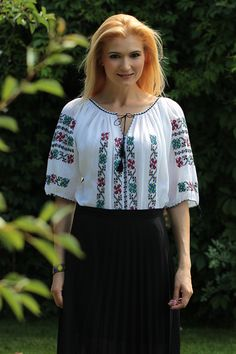 Ie Romaneasca Stela P - Chic Roumaine Off Shoulder Blouse, Floral Tops, Tunic Tops, Costumes, Traditional, Embroidery, Womens Fashion, Outfits, Beautiful