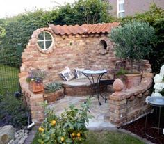 Make a water feature instead of seat - DIY Garten Landschaftsbau Outdoor Projects, Garden Projects, Outdoor Decor, Outdoor Living, Outdoor Rooms, Indoor Outdoor, Backyard Patio, Backyard Landscaping, Landscaping Ideas