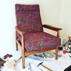 (UK) Im a sucker for messy work tables and customers with great taste in fabric  #midcenturymodern #recliner #chair #upholstery #liberty #libertylondon #jubilee #fabric #werk #flip #furnitureflip by the_tuohys