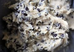 How to Make Chocolate Chip Cookie Dough Cupcakes (with pictures) #chocolatechipcookie #cookies #cakes #baking